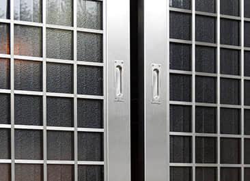 台中不鏽鋼門、防盜窗各式大門、防盜窗、採光罩、扶手、玻璃屋、伸縮門、烤漆門窗、電動門、鐵捲門。 ... 不鏽鋼工程、鍛造工程、鐵棟工程、鋁門工程、其他工程. 平價抗漲